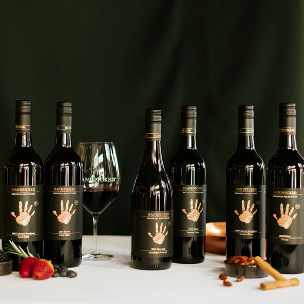 6 bottles of red wines in a pack